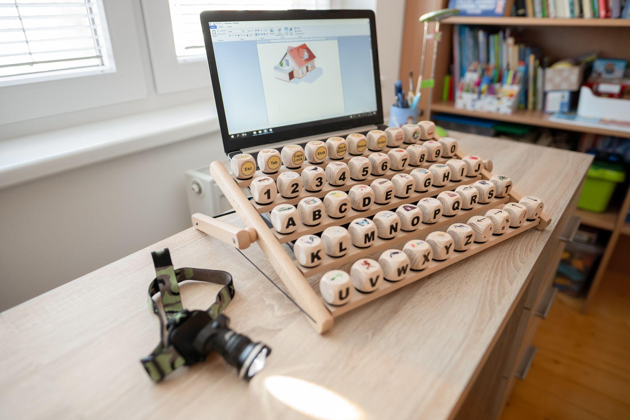 Klávesnica pre hendikepovaných sa stala víťazom Inovačnej súťaže